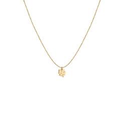 Kortare halsband från Syster P med liten fyrklöver som bringar lycka. Halsbandet är i sterling silver pläterat med 18K guld.